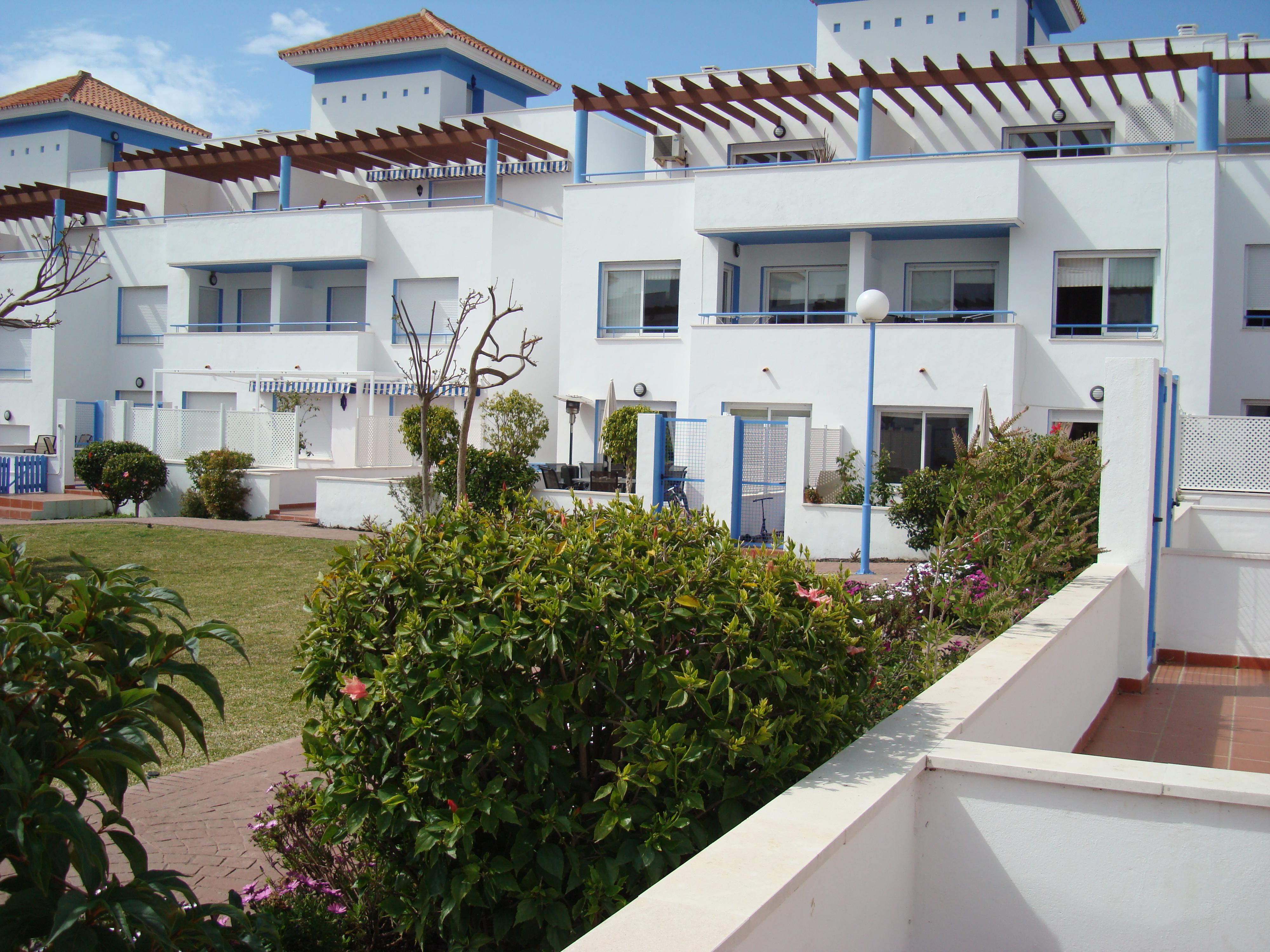 A0102 | Spacious Townhouse in Costalita