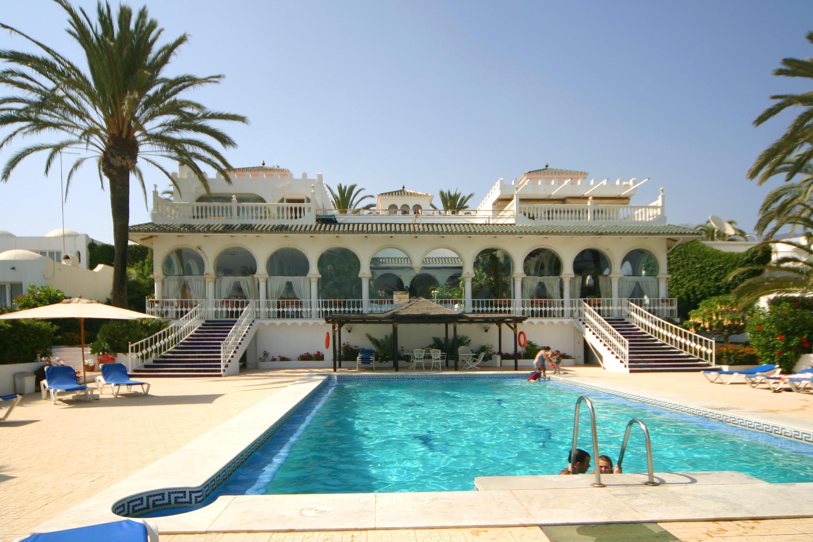 RVO122 | Villa Oasis Club