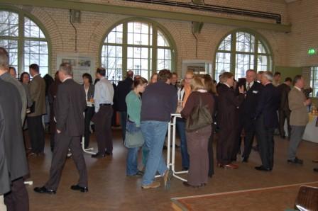 Dieses Foto zeigt Teilnehmer an Fachgespr�chen w�hrend der Tagung