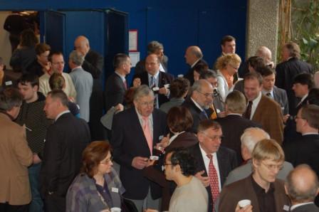 Dieses Foto zeigt Teilnehmer an Fachgespr�chen w�hrend der Pause