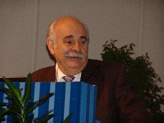 Dieses Foto zeigt Herrn Prof. Jany bei der Moderation