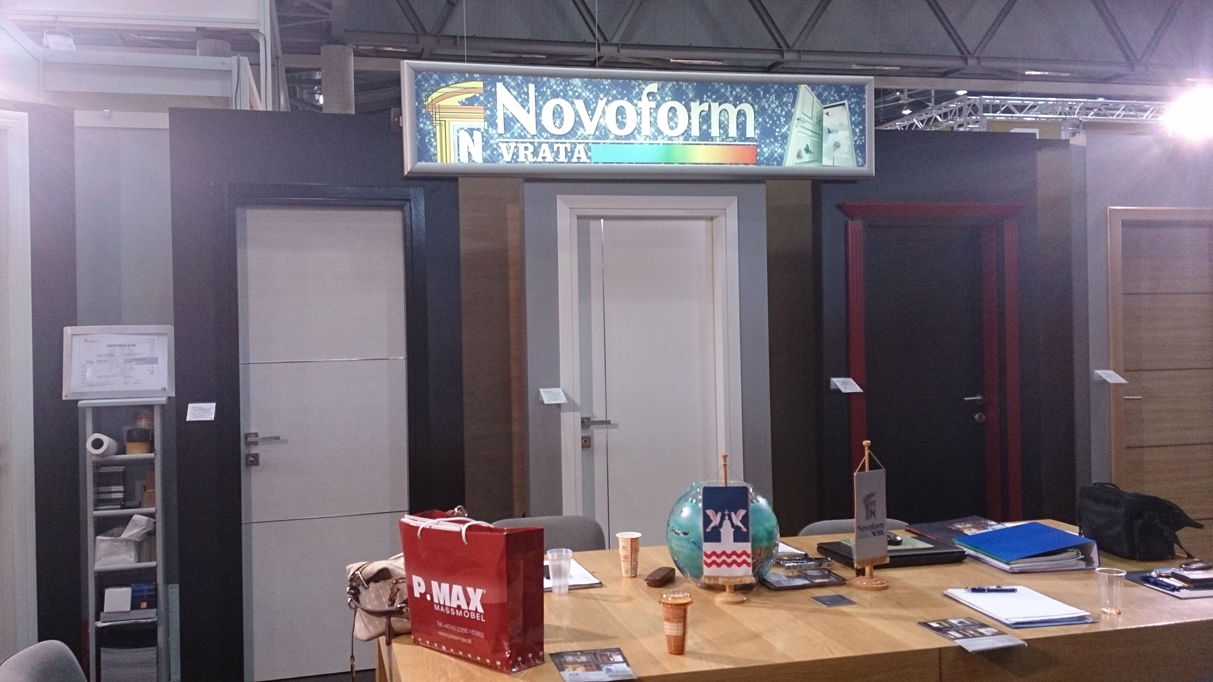 Firma novoform bijeljina an der messe wohnen interieur for Interieur messe