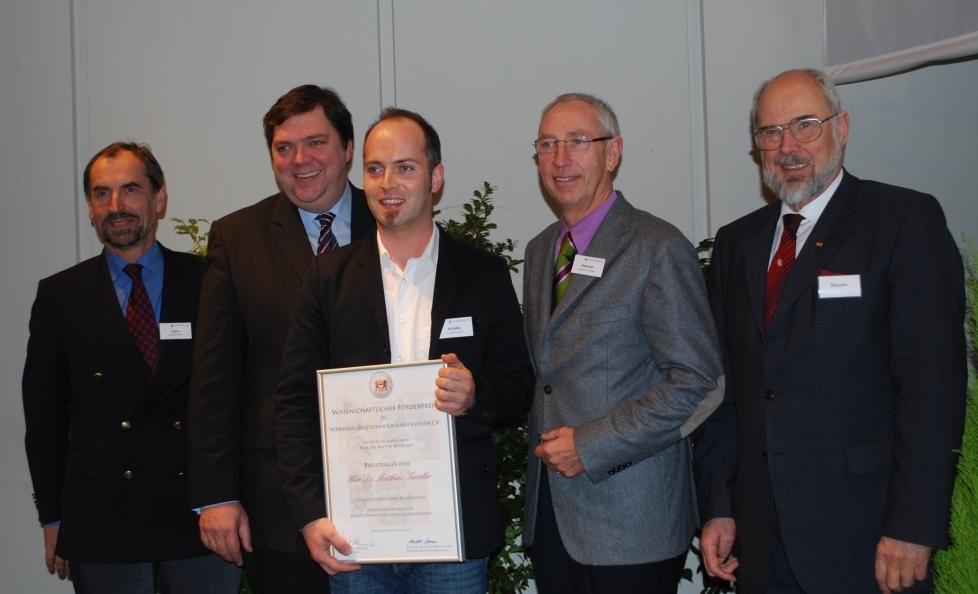 Bild von der Preisvergabe an Herrn Dr. Knoedler