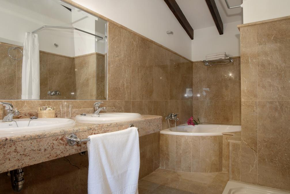 natursteinwand dusche: badgestaltung ideen und inspirationen, Hause ideen