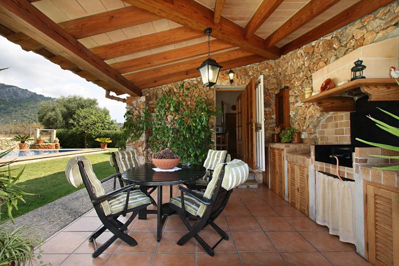 Landestypisches ferienhaus bei selva mieten ferienhaus - Porches rusticos ...